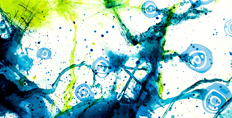 Strukturen und Herzszintis im Kunstwerk aus Glas